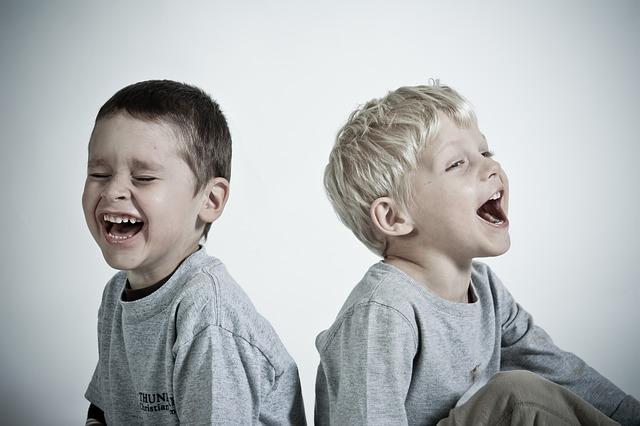 šťastný děti