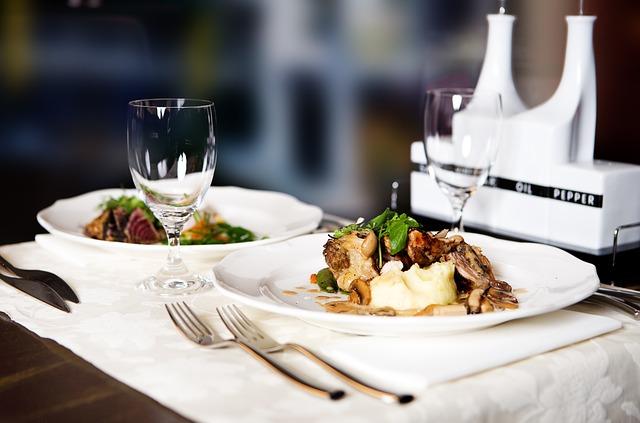 stolování v restauraci