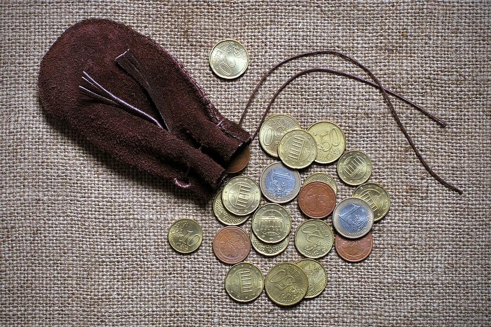 váček s mincemi